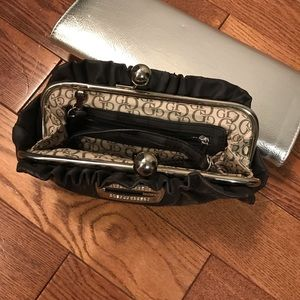 Guess by Marciano Bags - Guess clutch